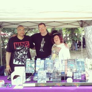 Me between two author co-op peeps John F. Allen and E. Chris Garrison.